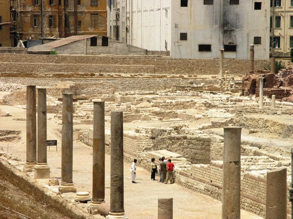 Alexandria_-_Roman_Amphitheater_-_view_of_ruins_around_amphitheater.JPG